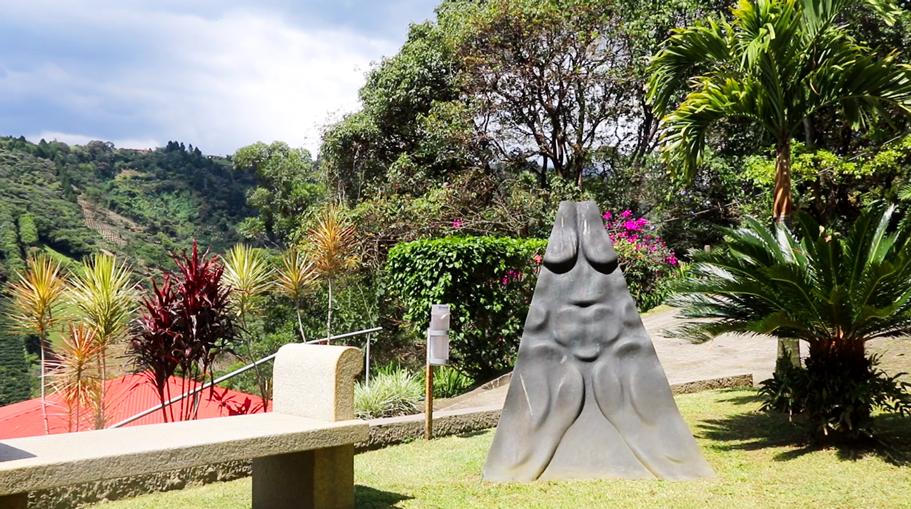 Wilhem-Loth's-Art-in-Costa-Rica-2-